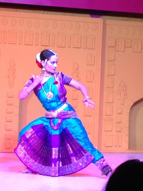 Spectacle Bharata Natyam par Anusha CHERER - Fête Durga Puja à la Maison de l'Inde.